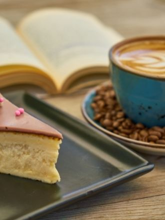 3 Fun and Delicious Romantic Comedy Books Featuring Food